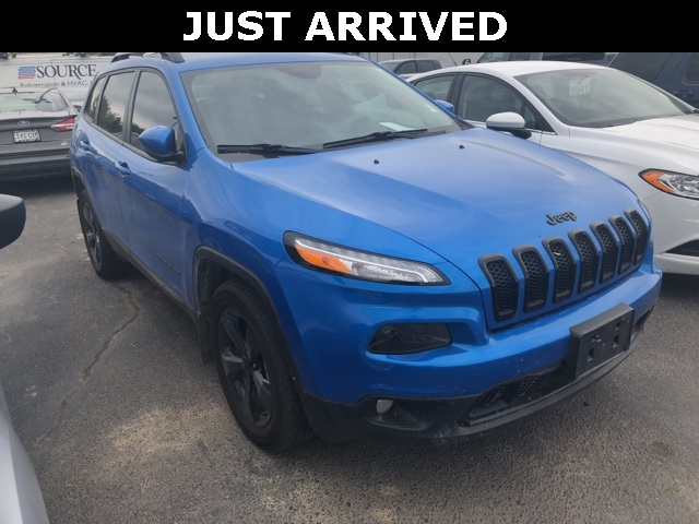 Pre-Owned 2018 Jeep Cherokee Altitude